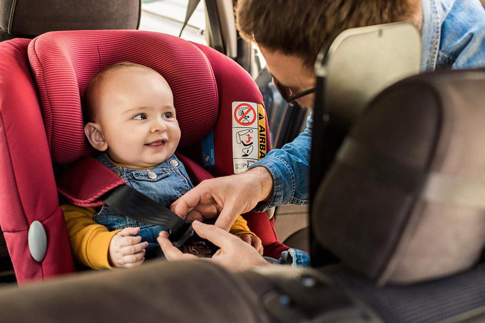 choisir jouet voiture bebe